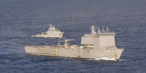 Royal Australian Navy and French Navy conducts passage exercise