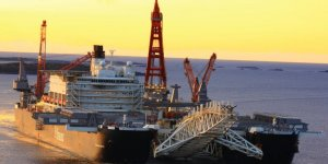 The largest construction vessel calls at North Sea Port