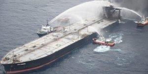 Fire-damaged VLCC tanker became stable and safe near Sri Lanka