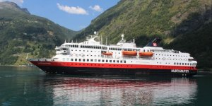 Hurtigruten cancels its Antarctica departures