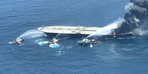 Sri Lanka allows fire-hit supertanker to sail to the United Arab Emirates