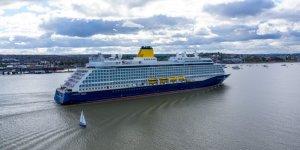 Saga's new ship Spirit of Adventure arrives in Tilbury