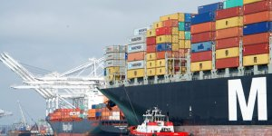 MSC to buy six post-panamax units from Germany