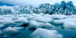 Increasing temperature threatens individual glaciers in Greenland's fjords