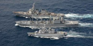US Navy conducts underway replenishment exercise with France and Japan