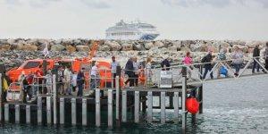 Princess Cruises' ship returns to Australian island after bushfire emergency