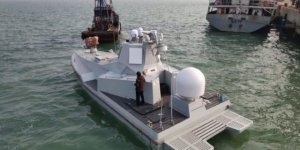 Chinese unmanned mini-destroyer in sea trials
