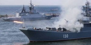 Russian minesweepers hold drills at the Black Sea