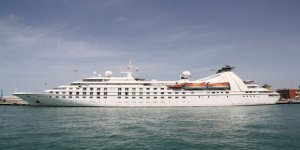 Windstar cancels Star Breeze's Asia program